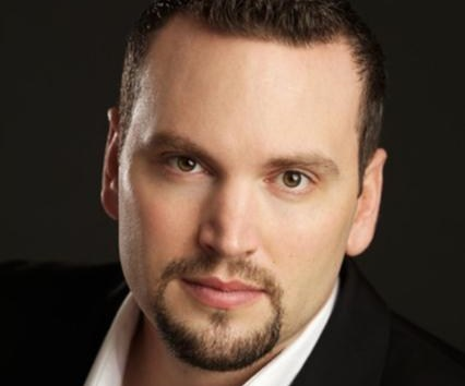 Scott Quinn sings the role of Alfredo, Violetta's love interest