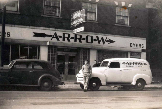 arrow truck old
