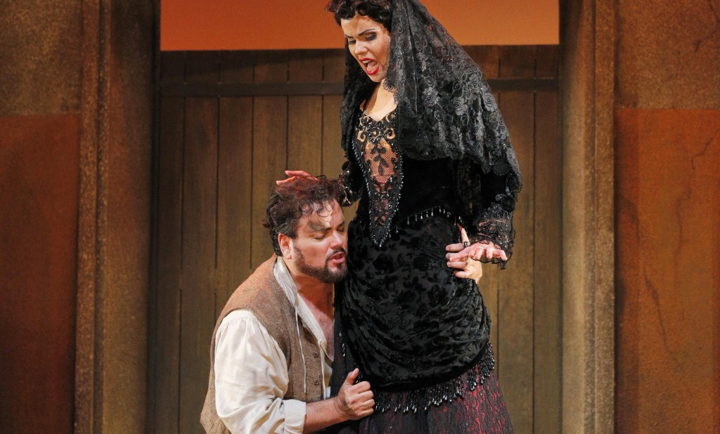 Zanda _v_de and Rafael Davila, photo by Cory Weaver for Lyric Opera of Kansas City - Copy