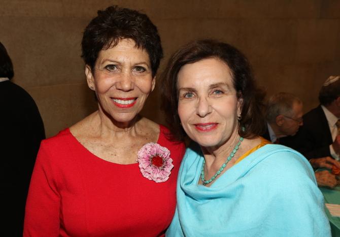 Sisters Ritchie Lynne & Cynthia Ellis