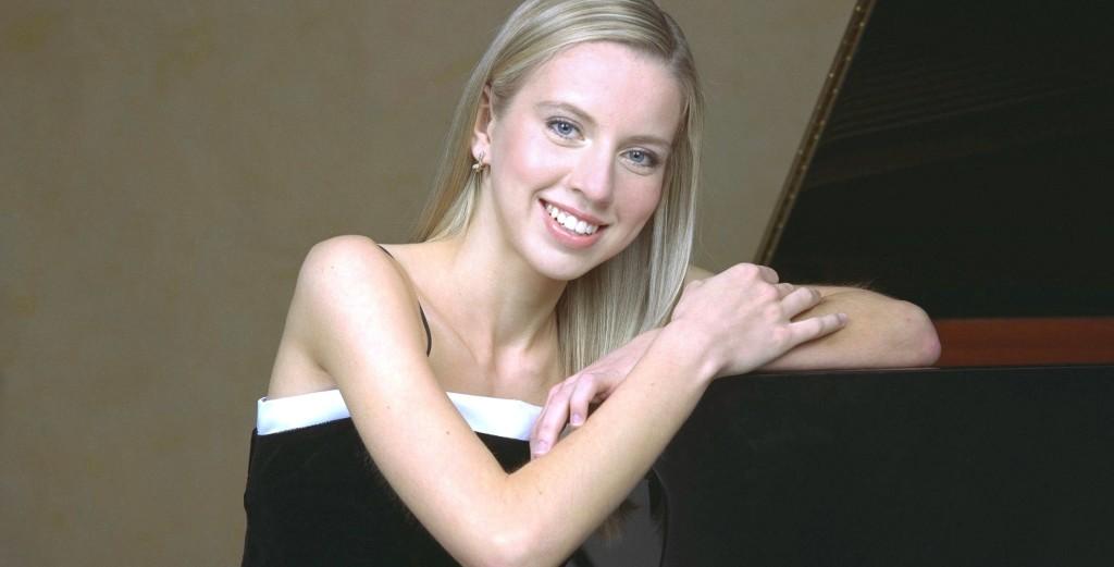 Pianist Natasha Paremski / Photo by Michael Ahearn